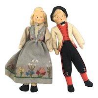 Ronnaug Petterssen Norway pair of dolls nice.