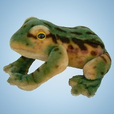 Great vintage Steiff Frog very nice color and vinatge