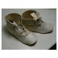 Vintage doll/ Child shoes OLD must see.