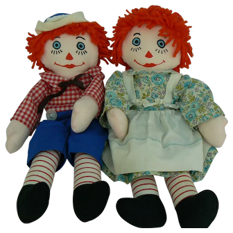 15 inch Pair of vintage Raggedy Ann and Raggedy Andy Dolls.