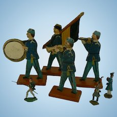 Vintage OLD Civil War Military German wood Soldiers  and a few tiny metal ones.