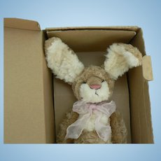 Barton's Creek Collection Artist Bunny by Rosalie Frischmann, Jasmin MIB.