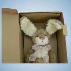 Barton's Creek Collection Artist Bunny by Rosalie Frischmann, Jasmin MIB.