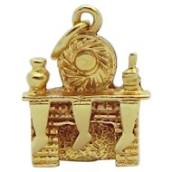 Vintage 14K Gold 3D Fireplace with Christmas Stockings Charm