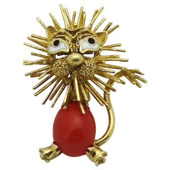 Vintage 18K Gold Crazy Cat with Coral Cabochon Belly Charm Pendant
