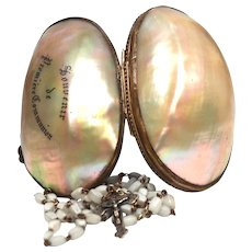 Antique Nineteenth Century Mother of Pearl Engraved Boîte à Chapelet