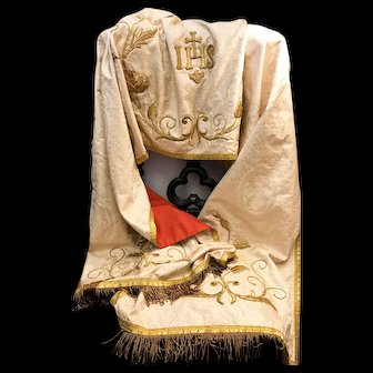LARGE Antique French Silk Eccesiastic Stole with Gilt Metallic Stumpwork Embroidery