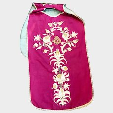 Antique French Religious Silk Embroidered Fiddleback Chasuble