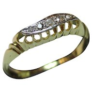 Decorative Vintage 18ct Solid Gold 'S-Shaped' 5-Stone Diamond Gemstone Ring