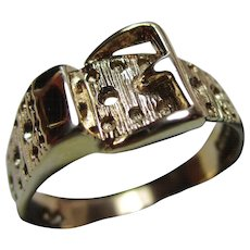 Attractive Vintage 9ct Solid Gold 'Buckle' Ring