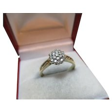 Attractive 9ct Solid Gold Diamond Gemstone Cluster Ring{0.25Ct Diamond Weight}