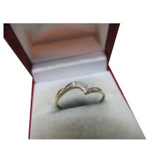 Pretty Vintage 9ct Solid Gold Diamond Gemstone 'Half Eternity' Twist Ring