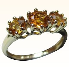 Pretty Vintage 9ct Solid Gold 3-Stone Citrine Gemstone Ring