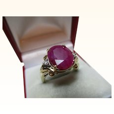 Decorative Vintage 9ct Solid Gold 3-Stone Diamond + Ruby Gemstone Ring{5.5 Grams}