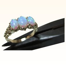 Decorative Vintage 9ct Solid Gold 3-Stone Opal Gemstone Ring{3.3 Grams}