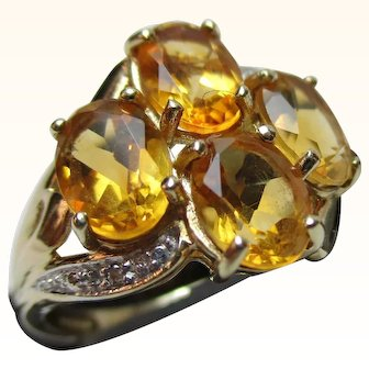 Attractive Vintage 9ct Solid Gold Diamond + Citrine Gemstone Cluster Ring{3.1 Grams}