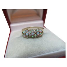 Pretty Vintage 9ct Solid Gold Opal Gemstone Ring