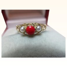 Pretty Vintage 9ct Solid Gold 3-Stone Red Coral + Split Seed-Pearl Gemstone Ring