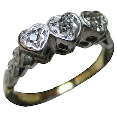 Attractive Antique 18ct Solid Gold 'Heart Shaped' 3-Stone Diamond Gemstone Ring{2.7 Grams}
