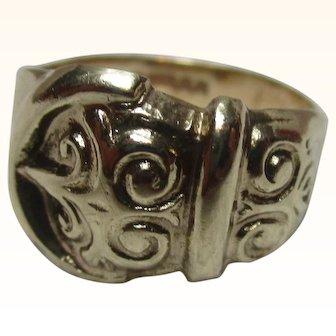 Decorative Vintage{Birmingham 1970} 9ct Solid Gold 'Buckle' Ring{3.5 Grams}