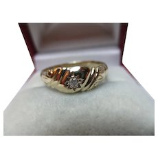 Decorative Antique 9ct Solid Gold Diamond Solitaire Gemstone Ring