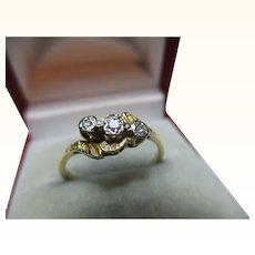 Attractive 18ct Solid Gold Engraved 3-Stone Diamond Gemstone 'Crossover' Ring