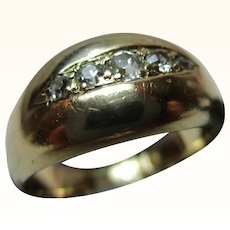 Attractive Antique 18ct Solid Gold 5-Stone Diamond Gemstone Ring{5.1 Grams}