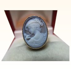 Pretty Vintage 9ct Solid Gold Oval Shaped Cameo Gemstone Ring