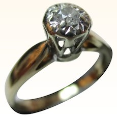 Attractive Vintage 9ct Solid Gold Diamond Solitaire Gemstone Ring{0.1Ct Diamond Weight}