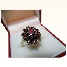 Decorative Vintage{Birmingham 1976} 9ct Solid Gold Garnet Gemstone Cluster Ring{3.6 Grams}