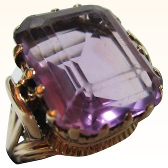 Charismatic Antique 15ct Solid Gold 'Cushion Shaped' Amethyst Solitaire Gemstone Ring{8.4 Grams}