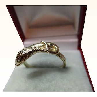 Attractive 9ct Solid Gold Engraved 'Snake' Ring{3.6 Grams}