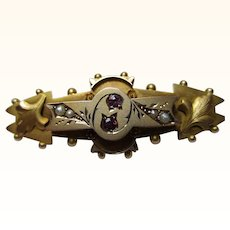 Attractive Antique{Chester 1913} 9ct Gold 'Foliate Engraved' Ruby + Split Seed-Pearl Gemstone Bar Brooch{4.0 Grams}
