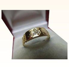 Pretty Victorian{Birmingham 1895} 18ct Solid Gold 3-Stone Diamond Gemstone Ring