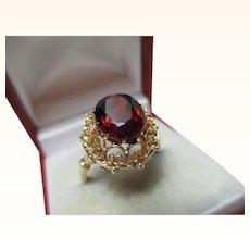 Pretty 9ct Solid Gold 'Oval Shaped' Garnet Solitaire Gemstone Ring{4.2 Grams}