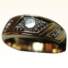 Decorative 18ct Solid Gold Diamond Gemstone Ring{0.3Ct Diamond Weight}{4.1 Grams}