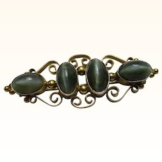 'Art Nouveau' 9ct Gold Dark Green Chrysoberyl 'Cat's Eye' Gemstone Bar Brooch{4.6 Grams}