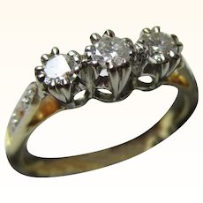 Attractive Antique 18ct Solid Gold 3-Stone Diamond Gemstone 'Trilogy' Ring{0.25Ct Diamond Weight}