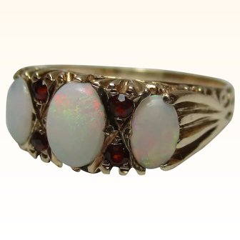 Attractive{Birmingham 1978} 9ct Solid Gold 7-Stone Opal + Garnet Gemstone Ring{3.4 Grams}{1.3Ct Opal Weight}