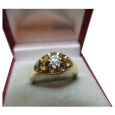 Majestic Antique 18ct Solid Gold Diamond Solitaire Gemstone Ring{6.7 Grams}{0.25Ct Diamond Wt}