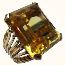 Delightful 18ct Solid Gold 'Block Shaped' Citrine Gemstone Ring{9.8 Grams}