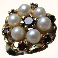 Pretty 9ct Solid Gold Garnet + Full Pearl Gemstone Cluster Ring{3.6 Grams}