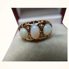 Attractive Antique 18ct Solid Gold 7-Stone Diamond + Opal Gemstone Ring{3.0 Grams}