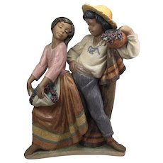 Lladro - First Crush - LARGE - #2359 Issued 1997 Retired