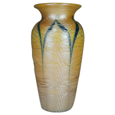 SIGNED Durand Threaded Pulled Feather Vase Shape # 1708 STUNNING !!