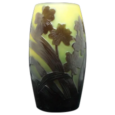 Galle Cameo Glass Vase with Flowers