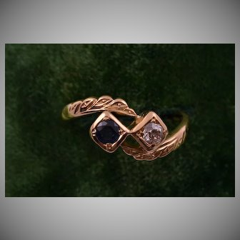 18ct Yellow Gold 1940's Vintage Toi Et Moi Ring With A Sapphire And A Diamond