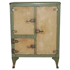 Vintage 1932 Gibson Green & Cream Icebox Refrigerator