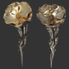 Italian Buccellati Sterling Silver Pair of Poppy Blooms Salt & Pepper Shakers 20th Century