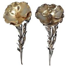 Italian Buccellati Sterling Silver Pair of Poppy Blooms Salt & Pepper Shakers 20th Century